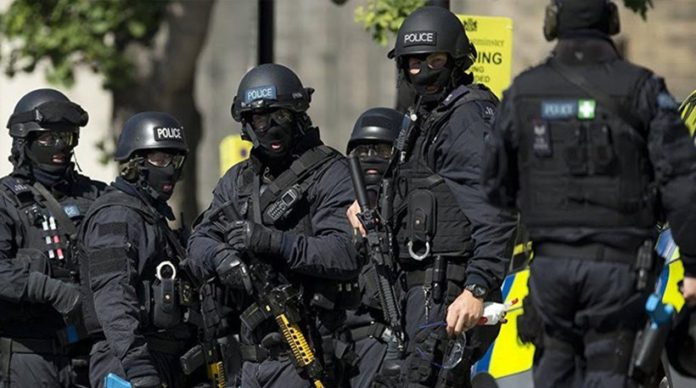 Σύλληψη 8 υπόπτων για τρομοκρατία