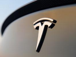 Η Tesla προσπέρασε την Ford