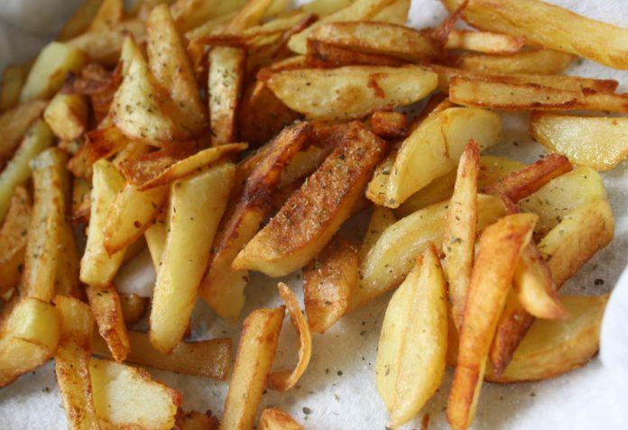 Παίρνει μέτρα η Ε.Ε. για διατροφικό κίνδυνο από τις τηγανητές πατάτες
